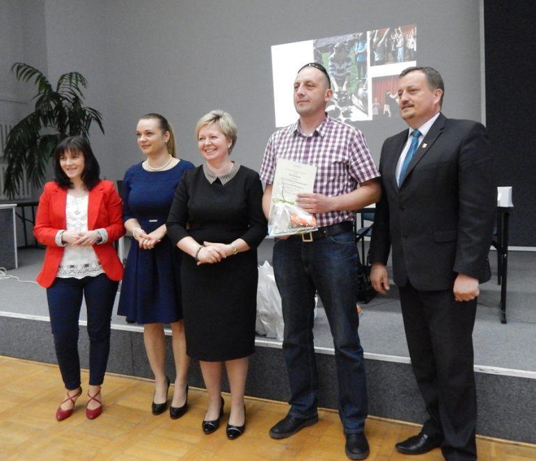 Wyróżnienie w konkursie Liderzy Lokalnych Społeczności – Stowarzyszenie Abrakadabra