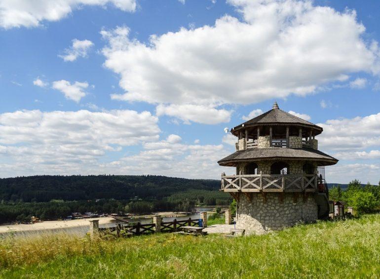 Kamieniołomy i wieża widokowa w Krasnobrodzie