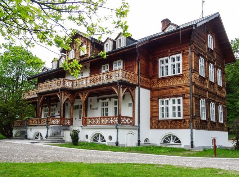 Pałac Plenipotenta w Zwierzyńcu