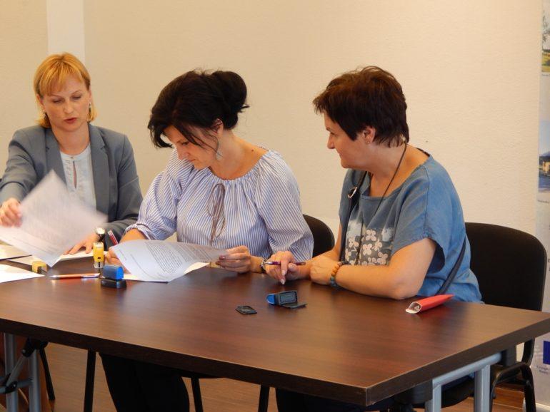 Podpisaliśmy pierwsze Umowy o powierzenie grantów