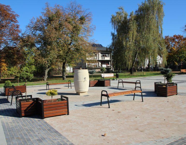Zagospodarowanie przestrzeni publicznej przy Ratuszu w Zwierzyńcu