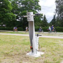Samoobsługowe stacje naprawy rowerów na Roztoczu